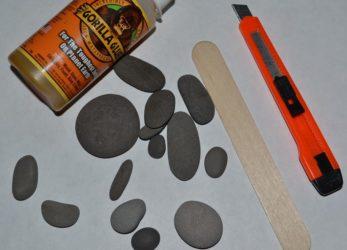 Чем склеить камни между собой?