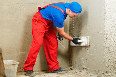 Как быстро отштукатурить стены?