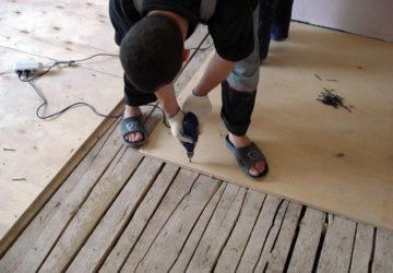 Как правильно постелить ДВП на деревянный пол?